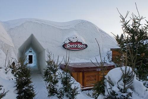 arctic-spas-hot-tub-winter-festival